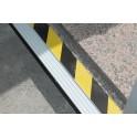 Banda Adhesiva de señalización de 60x6mm para puertas correderas y cualquier tipo de puerta de garaje que lleve puerta peatonal.