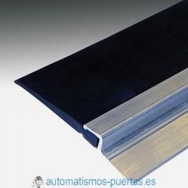 PERFIL ALUMINIO Y GOMA PROTECCION TAPAJUNTAS PARA PUERTAS DE CONTRAPESAS (METRO LINEAL)